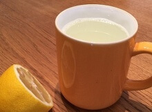 lemon in warm water